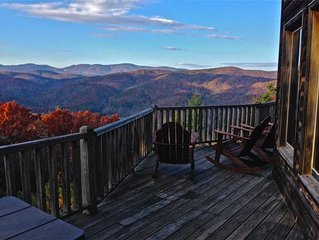 Mountain Log Cabin, Privacy Hot Tub, Ping Pong Table, Views Near Boone