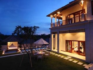 3 BR Private Pool Villa, free wifi and airport pickup, Nusa Dua