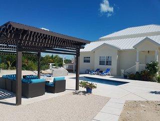 Beautiful Villa in Grace Bay, Walk or Drive to World's Best Beach Pool Car Avl!