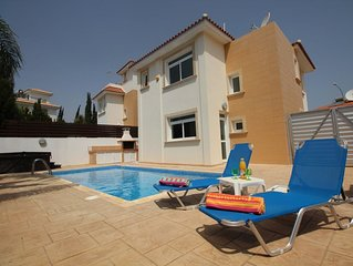 Luxury Holiday Villa with Pool, Hot Tub and Wi-Fi in Protaras near Fig Tree Bay