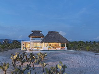 Casa Quetzal - prestigious & modern beachfront villa near Puerto Escondido
