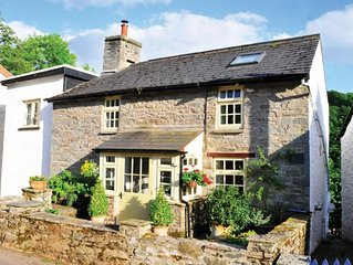 Pretty stone cottage: real fire, balcony, patio, wifi, riverside views & hot tub