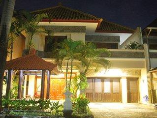 4 Bedrooms Kuta Villa Includes Breakfast