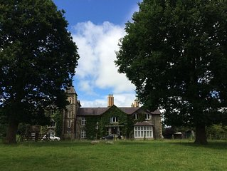 Plas Glandenys self-catering country house apartment