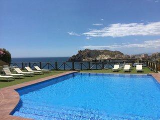 apartamento de lujo con espectaculares vistas al mar . Rincon único !!!