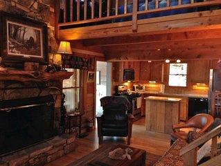 Romantic Log Cabin w/Panoramic View, WiFi, Hot Tub, Trails, Near Boone