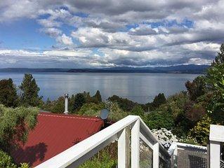Lake views, boating, skiing andamp; hot pools