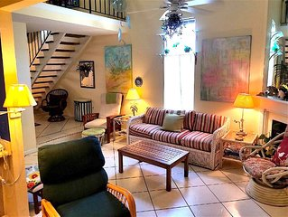 Mariner Lakes Townhome / Walk To Beach/ Tennis/ Pool/ Fishing / Screen Porch