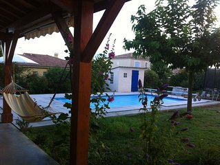 Belle villa avec piscine dans quartier très calme