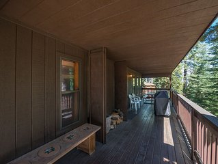 Quail Crossing Lodge has 3 bedrooms, 3 bathrooms, an accessible single cabin loc