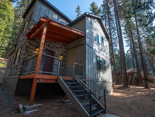 Welcome to Boulder Ridge! Come and enjoy this 3 bedroom, 2 baths, 2,200 square f