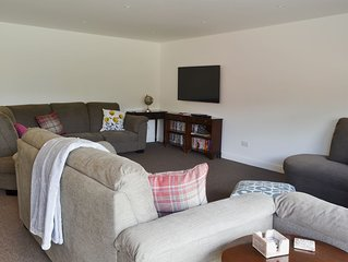 3 bedroom accommodation in Farnham