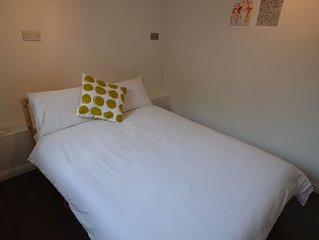 Central Woking one bedroom apartment with parking