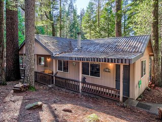 Hibernation Hideaway! Cozy home INSIDE Yosemite National Park!