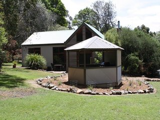 The Blue Wren Lodge quality couples accommodation