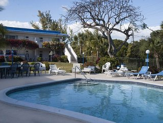 Attractive and Affordable Garden Apartment very close to Beach, shops, amenities