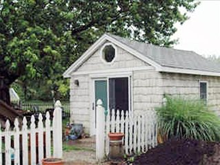 Cozy Pet Friendly Cape May Cottage with Fenced in Yard.