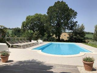 Ruime, landelijk gelegen vrijstaande Villa met zwembad