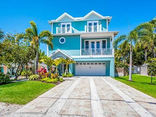 BIG FAMILY BEACH HOUSE CUSTOM BUILT 6 BEDROOM HOME ONE BLOCK TO PINE AVE