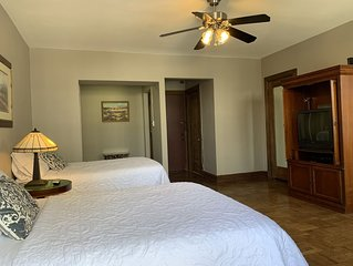 Enjoy Your Stay In This Luxury Condo. Premier Location At Long Beach.