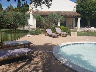 Mas provencal de charme avec piscine entre Avignon et St Remy de Provence
