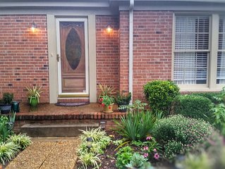 5 Star listing!!!  Family & Pet Friendly! Walk to Historic Downtown Franklin!