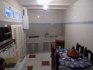 Maison avec terrasse, dans la medina, 5min de la plage,louée en exclusivité wifi
