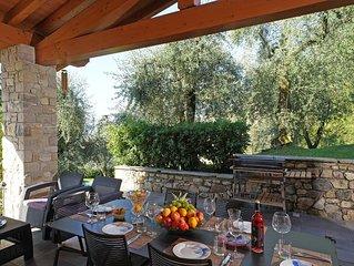 Villa di Lusso con PISCINA privata,con vista lago mozzafiato, AC,WIFI,posto auto