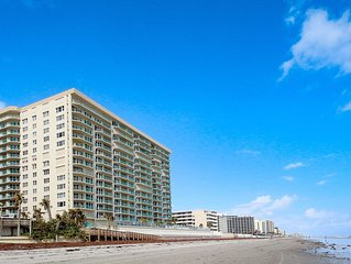 Oceanfront luxury w/ resort amenities, pools & hot tubs - snowbirds welcome!
