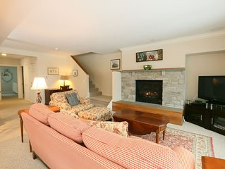 3BR, 3BA Overlook at Topnotch Resort with Fantastic View of Mt. Mansfield! Sleep