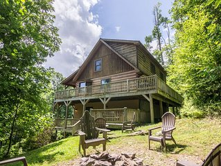2 Cubs Cabin - Inviting cabin near Blowing Rock with hot tub, pool table, fire p