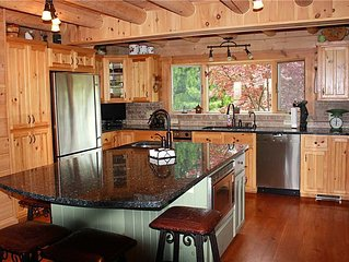 Private Mountain Home, Hot Tub, Fireplace, Covered Porch