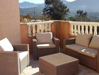 Appartement dans villa avec grande terrasse et vue montagne