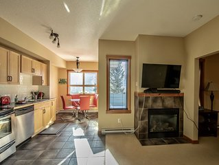 Luxury One Bedroom Condo in Town of Canmore (Mountain View & Outdoor Pool)