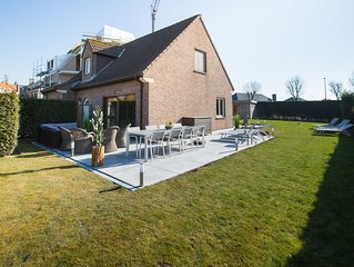 Beautiful detached home with spacious garden and infrared sauna, 800 m from the