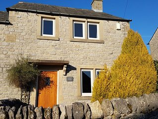 2 Bedroom Cottage In The Heart Of The Peak District, 2.5 Miles From Bakewell