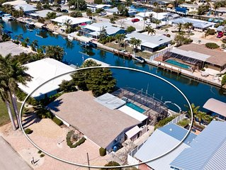 Boaters Delight with Private Dock, Pool and Spa and ONLY 3 miles to Gulf Beaches