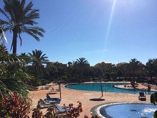 Estupendo residence con piscinas y jardin