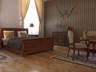 Fire and Sword apartment in Stare Miasto with WiFi.