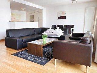 Spacious Opera 302 apartment in Brussels Centre with WiFi & lift.