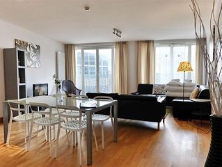 Spacious Opera 203 apartment in Brussels Centre with WiFi & lift.
