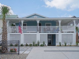Easy access to the beach, vintage beach cottage in a private setting