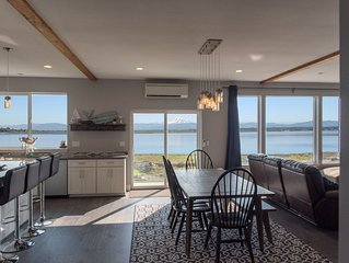 The Coho Cabin: Your Beachfront Home for All Seasons