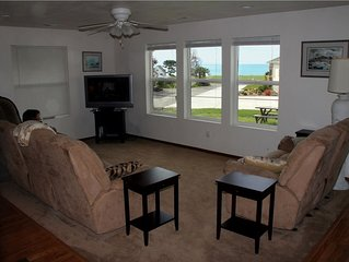 V/R Beach House with Ocean View and short rides to the Beaches!