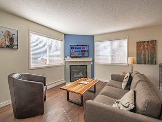 2 Bedroom/ Bathroom Lodge in Rockies/Fireplace/Hot Tub/BBQ