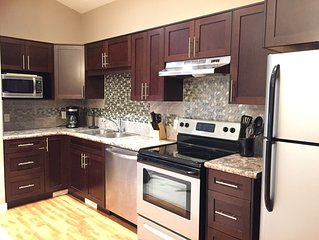 ⭐CENTRAL⭐Sleeps 8⭐5 mins to RCMP, DOWNTOWN & YQR