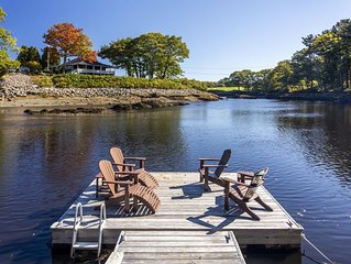 Gorgeous River View Walk to Kennebunkport & Beach/ Relax by Fireplace