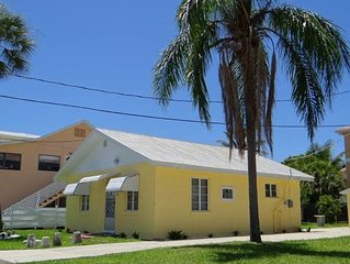 Adorable 2 bedroom/1 bath ground level cottage.  Walking distance to beach and b