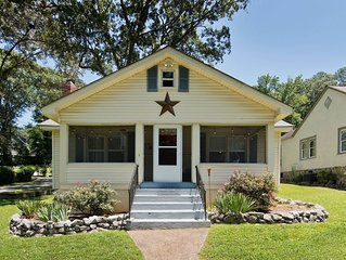 St. Elmo's Charming Cottage- 2BR w/ Screened-in Porch