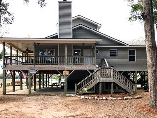 Hog Heaven - Wrap Around Porches and Private Dock On Deepwater